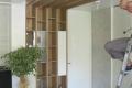 Dnevna-MDF-glanc-gredi-tavan-tapetni-vrati_1